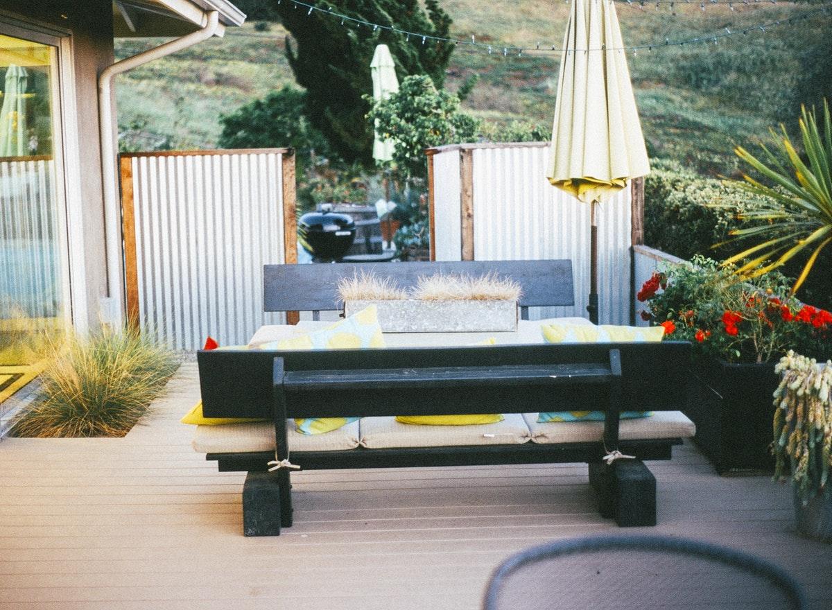 Come Arredare Un Terrazzo Coperto terrazzo: segreti per un arredamento perfetto - pure luxury